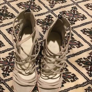 SOL SANA STRAPPY, SUEDE SANDAL, TAUPE, SZ. 8.5